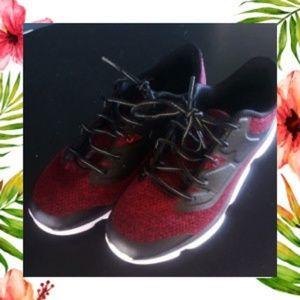 Nice! Avia Size 9 Mens Shoes